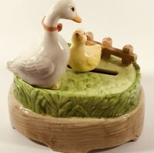 """Vintage Otagiri Mother Duck and Baby ceremic box plays """"Make Someone Happy"""""""