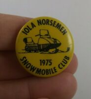 Vintage Iola Norseman Snowmobile Club 1975 pin button pinback Wisconsin  **FF