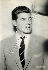 Joe Sentieri ovvero Rino Luigi Sentieri (Genova, 1925 - Pescara, 2007)