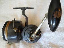 Early vintage Luxor Saumon Mer second version large spin reel made in France