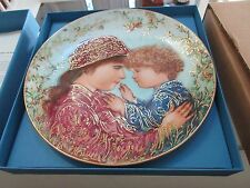 Edna Hibel , Mother's Day 1988 , Sarah and Tess , Knowles China , 8 1/2 ""