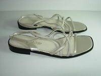 WOMENS TAN IVORY BEIGE CHAMPAGNE STRAPPY SANDALS FLATS HEELS SHOES SIZE 8.5 M