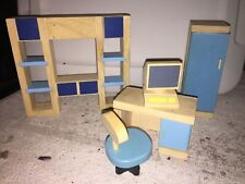 Plan Toys wooden dollhouse Office/dorm room Furniture