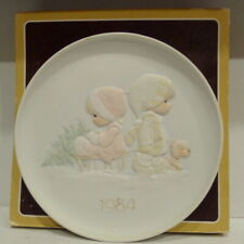 Precious Moments The Wonder Of Christmas Plate 1984  Nice Condition w/Box