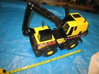 1998 Tonka Truck mounted digger #748.  Excellent condition, unboxed