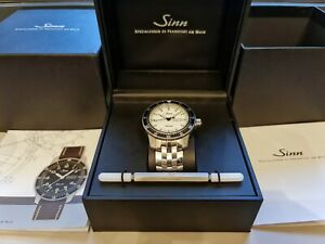 Sinn 104 St Sa I W - white with fine link bracelet (104.012) great condition