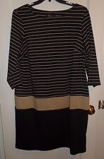 Pre Owned Macy's RNStudio by Ronni Nicole Woman Form Fitting plus dress 16W
