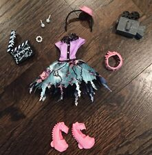 Monster High Doll Clothing, Shoes & Accessories Complete Honey Swamp Outfit