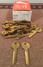35pc lot vintage NOS Jet Y149 Chrysler Logo Key Blanks Brass trunk door USA made