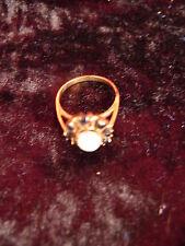 schöner ,alter Ring__333 Gold__mit Opal und Rubinen___!