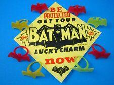 1966 VINTAGE BATMAN GUMBALL MACHINE LUCKY CHARM BAT RINGS 8-Tol. & DISPLAY CARD
