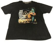 Preowned Men 2XL Marc Ecko The Day The Earth Stood Still Vintage Tee Shirt