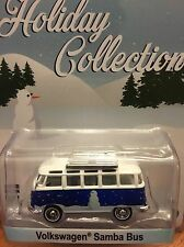 Greenlight Holiday Collection  Volkswagen Samba Bus   snowman