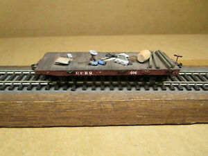 Labelle HO Scale Wood Flat Car with Man Taking Siesta and Loads - Kadee Coupler