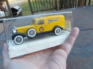 In Case Vintage Solido Age d'or Cadillac de Lioraison 4065 Yellow Waterman