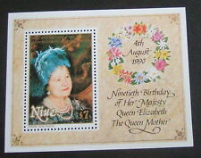 Niue 1990 Queen Mother 90th Birthday miniature MS MNH UM unmounted mint flowers