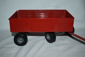 Ertl 1:16 Case IH Barge Wagon Pressed Steel With Gray Hubs
