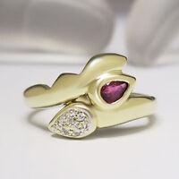 Ring mit ca. 0,20ct Rubin und 0,04ct W-si Diamant in 585/14K Gelbgold