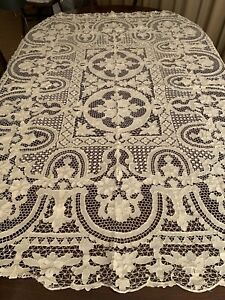 Lace Tableclith