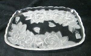 Studio Nova Hors d'Oeuvre Tray Winter Rose Rectangular Serving Plate / Platter