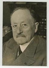 Portrait du Professeur Vincent du Vigneaud Vintage silver print Tirage argenti