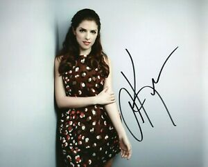 Autographed Anna Kendrick signed 8 x 10 photo