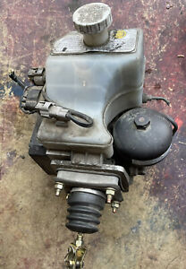01-02 Mitsubishi Montero OEM AISIN Hydraulic ABS Anti Lock Brake Booster Pump