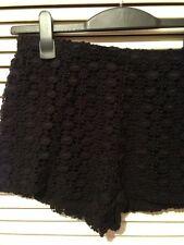 Zara Negro Crochet Encaje Shorts Cortos pantalones cortos de tamaño mediano