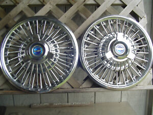 TWO VINTAGE 1965 1966 1967 FORD MUSTANG FAIRLANE SPINNER HUBCAPS WHEEL COVERS