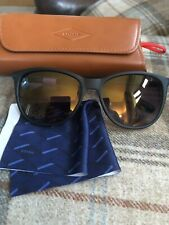 FOSSIL WOMENS GREEN FRAME SUNGLASSES 3028.. BRAND NEW WITH CASE