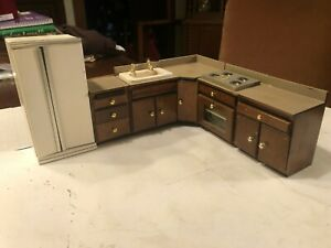 CONCORD DOLLHOUSE 6 Pc MED DARK KITCHEN - REFRIG, STOVE, SINK, CABINETS, READ!