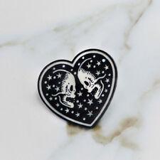 Punk Enamel Heart Skull Brooch Pins Shirt Collar Pin Breastpin Jewelry Gift