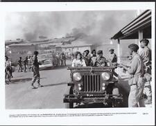 Sigourney Weaver Gorillas in the Mist 1988 original scene movie photo 27552