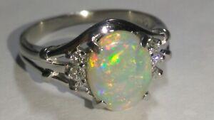 Solid platinum natural opal diamond ring 4.85 grams - sz 6