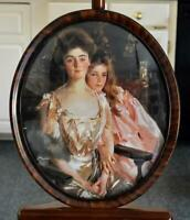 LOVELY MOTHER DAUGHTER VICTORIAN STYLE PRINT ANTIQUE OVAL FAUX WOOD CONVEX FRAME