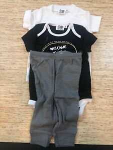 NWT Silly Apples Baby Boy Bodysuit Shirt Pants Set Size 6 Month Safari