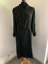 Ancienne robe couture des années 1940, en crèpe de satin taille 38 environ