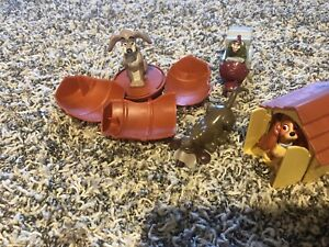"""RARE 1997 Lady and the Tramp 3"""" Dog House Action Figure McDonald's EUROPE Disney"""