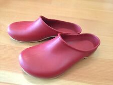 Sloggers Size 6 Red Gardening Slippers