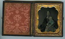 AMBROTYPE circa 1880 / Hand tinted / Une mère et son enfant / union case
