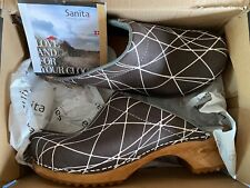 SANITA Suede ARLA Open CLOGS Wood Soles Gray w/White Lines. Size 40. NEW in BOX
