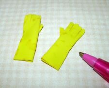 Miniature Spotty Yellow Rubber Dishwashing Gloves: DOLLHOUSE 1/12