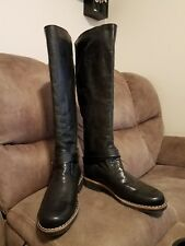 Black Roots Boots made in Canada size 7 1/2