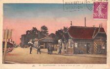 OUISTREHAM  la gare et le train de Caen