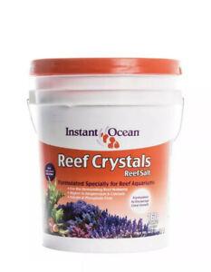 Instant Ocean Reef Crystals ReefSalt Formulated 160-Gallon 605 Liters Bucket