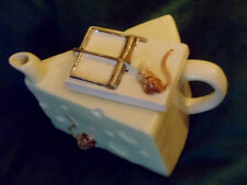 Quorn pottery Mouse trap and Cheese teapot 1985