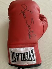 Leon Spinks Autographed Boxing Glove Authenticity Papera