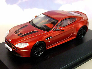 Superbo Oxford Diecast 1/43 2015 Aston Martin V12 Vantage S Vulcano Red AMVT001