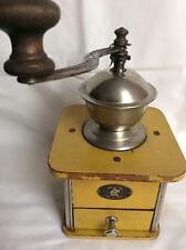 alte, antike Jubiläumsmühle K&M von 1926, Kaffeemühle, coffee grinder