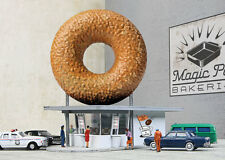 Walthers Cornerstone Hole-In-One Donut Shop (N Scale) 933-3835
